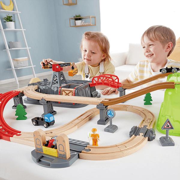 Hape Railway Bucket Builder Set