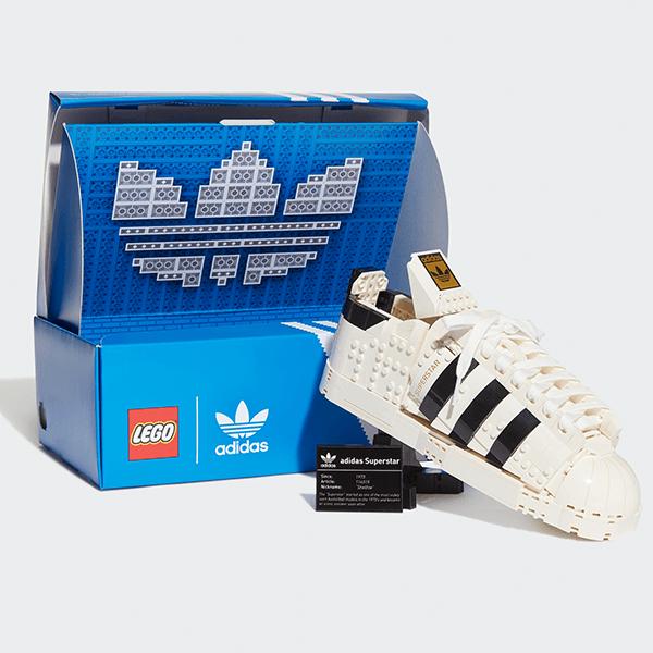 LEGO® 10282 adidas Originals Superstar